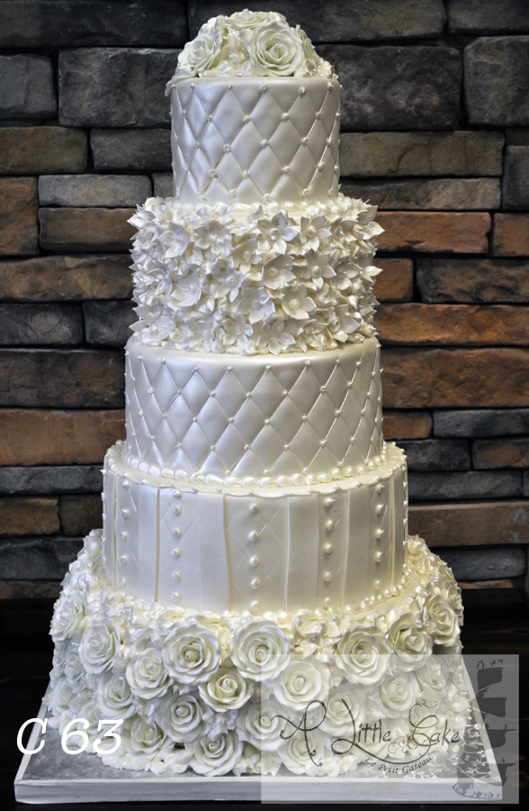 C047 Fancy Fondant Wedding Cake With Elegant Patterns And Rose Design