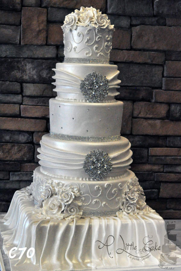 C076 Elegant Wedding Cake With Silver Sequin Design And