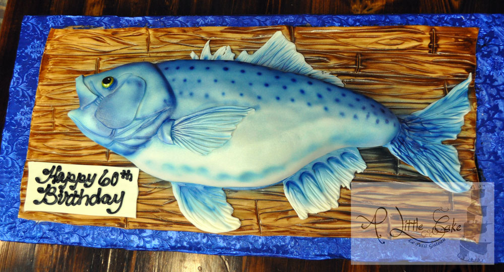 Sensational Custom Birthday Cake In The Shap Of A Fish A Little Cake Personalised Birthday Cards Veneteletsinfo