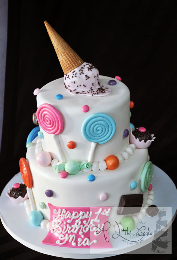 Tags This Candy Themed Birthday Cake Is Iced With Fondant