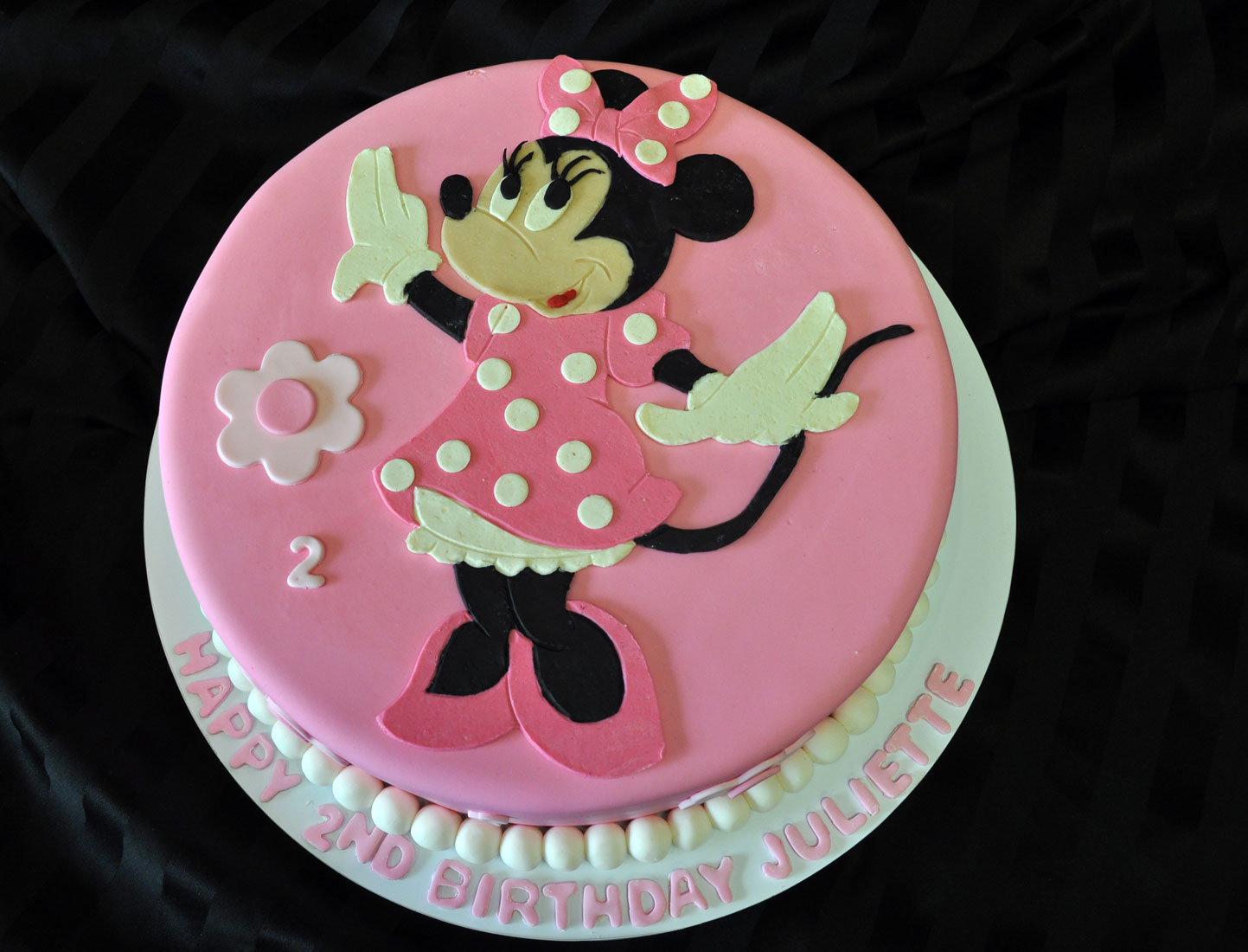 C203 Minnie Mouse Cake