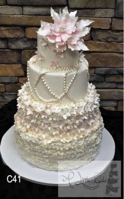 Fondant-Wedding-Cakes