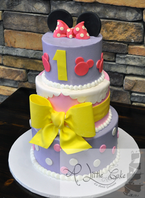 Magnificent Minnie Mouse Tiered 1St Birthday Cake Personalised Birthday Cards Veneteletsinfo